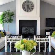 美式斜顶客厅装饰