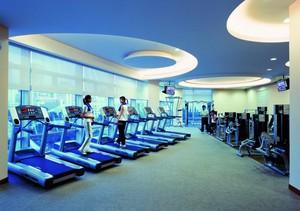 提高身体素质的超大型健身房装修效果图