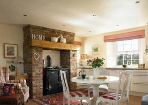 小户型美式客厅设计