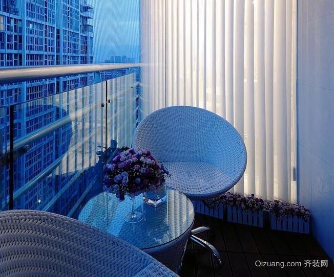 欣赏美景的大户型家居大阳台装修效果图