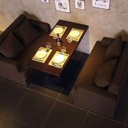 深色简约咖啡厅卡座设计