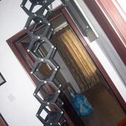钢化材料伸缩楼梯装修