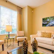 后现代风格家庭客厅装饰