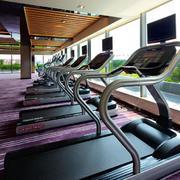 健身房大型窗户设计
