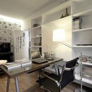 别墅小书房电脑桌设计