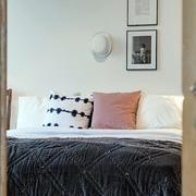 三室两厅卧室门饰装修