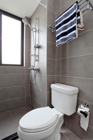 三室两厅卫生间马桶装修