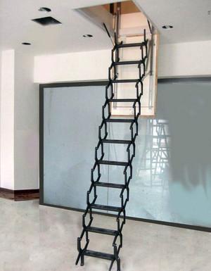 用起来更加方便的阁楼伸缩楼梯装修效果图