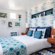 卧室浅蓝色墙壁设计