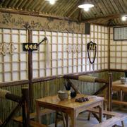 120平米饭馆木制桌椅