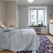 北欧风格简约床饰装修
