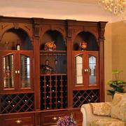 红色原木酒柜装修设计