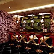 酒吧长形吧台装饰