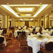 欧式大型饭店桌椅效果图
