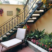 阳台铁架楼梯设计