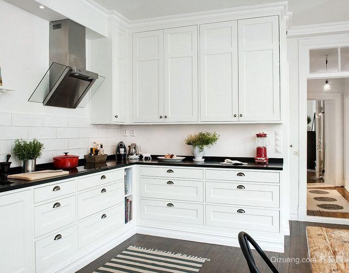 前卫流行的L字型小厨房橱柜装修设计效果图