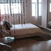 小户型卧室珠帘隔断