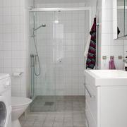 现代简约风格卫生间白色瓷砖图示