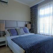 大型卧室飘窗装修设计