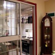 现代简约风格厨房玻璃门