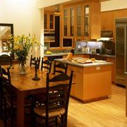 别墅厨房桌椅设计