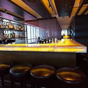L型现代简约风格酒吧吧台