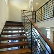 原木玻璃搭配楼梯装饰