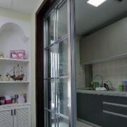 简约透明玻璃厨房推拉门