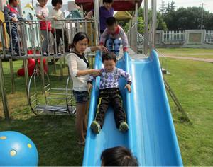 安全并且美观的幼儿园滑滑梯设计效果图欣赏图集