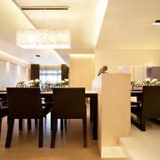 简约黑色餐厅桌椅设计