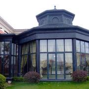 城堡式玻璃阳光房装修