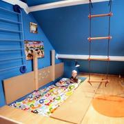 儿童房榻榻米装修