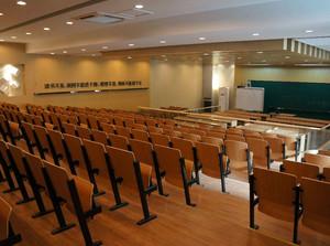 大型都市阶梯教室桌椅装修效果图欣赏大全