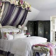 美式复古卧室床头设计