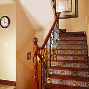 红色原木楼梯扶手装修