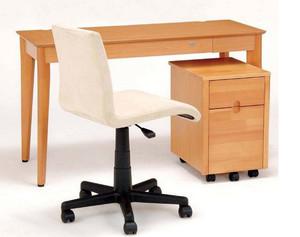 提高学习热情的卧室学习桌装修效果图