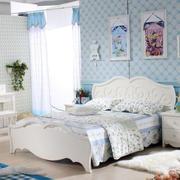 儿童房床头墙饰设计