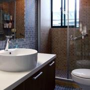 欧式卫生间密集型瓷砖