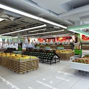 超市原木色货架效果图