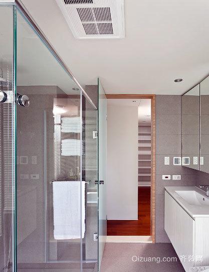 专为两室一厅设计的带有玻璃隔断的卫生间装修效果图