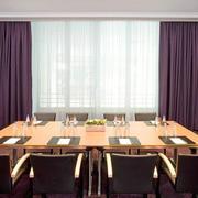 大型会议室飘窗设计