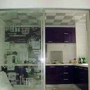 带图案的厨房推拉门设计