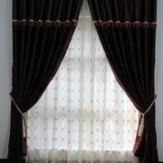 深色大型家具窗帘设计