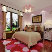 粉色系卧室飘窗装修