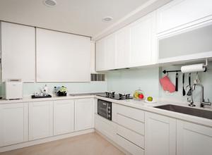 小清新风:日式经典木系原色小厨房装修效果图