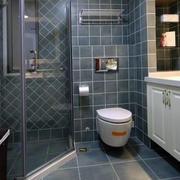 卫生间独立浴缸设计