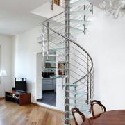 旋转式简约楼梯装饰
