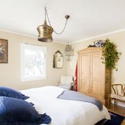 卧室原木色橱柜设计