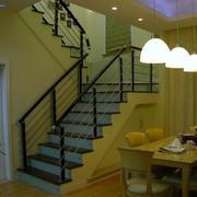 地中海原木楼梯设计