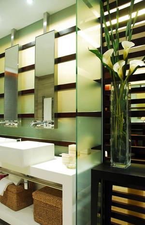 洗手间玻璃马赛克装修